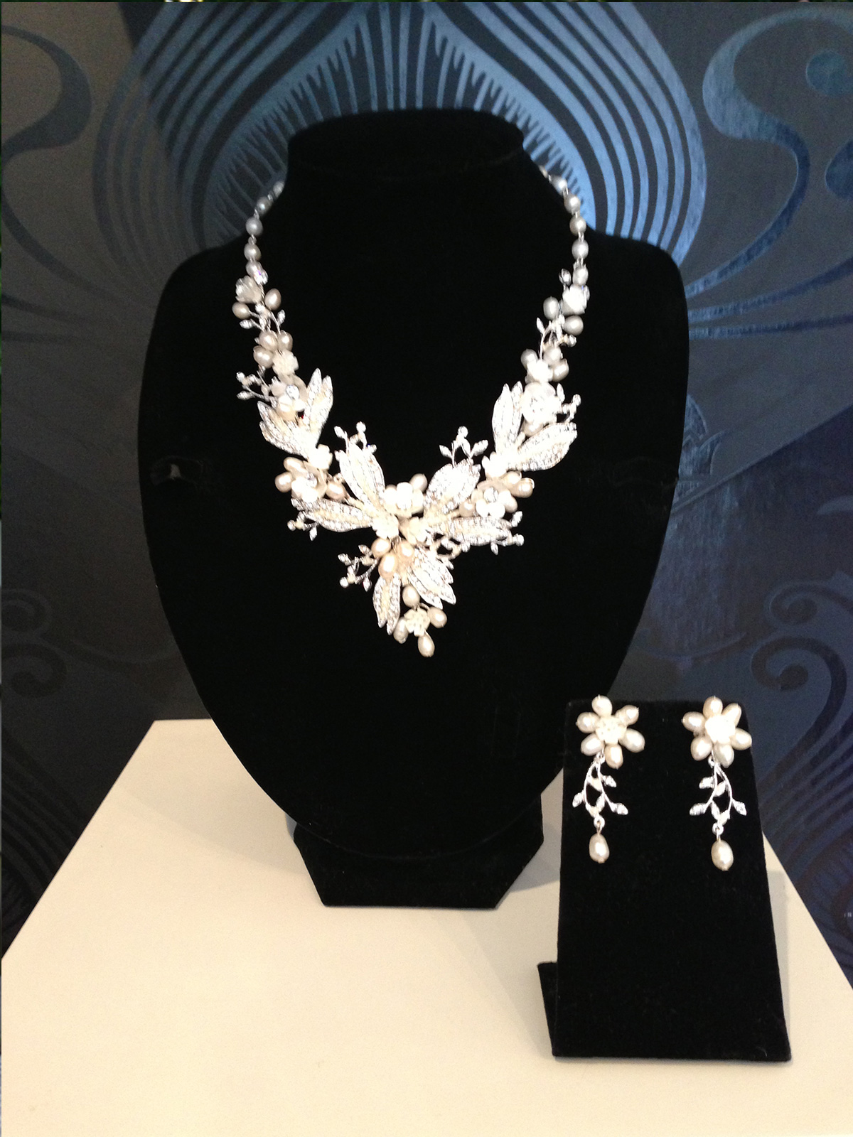 Floral Necklace & Earring Set